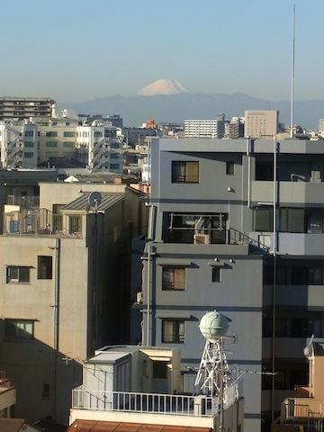 東京から見た富士山