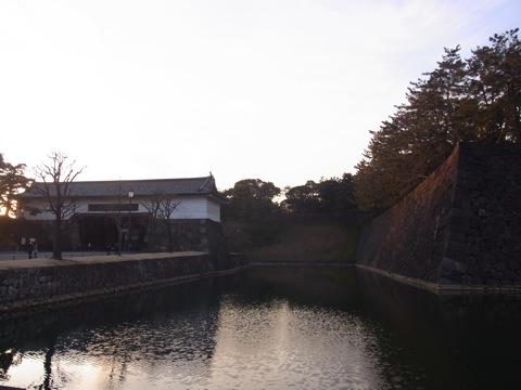 皇居外苑から見た外桜田門