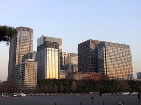 江戸城前、今の東京