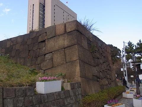 牛込見附跡の石組み